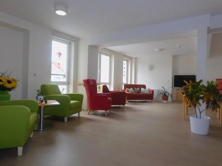 """Sitzecke des Altenpflegezentrum """"St. Josefshaus"""" in Niederorschel"""
