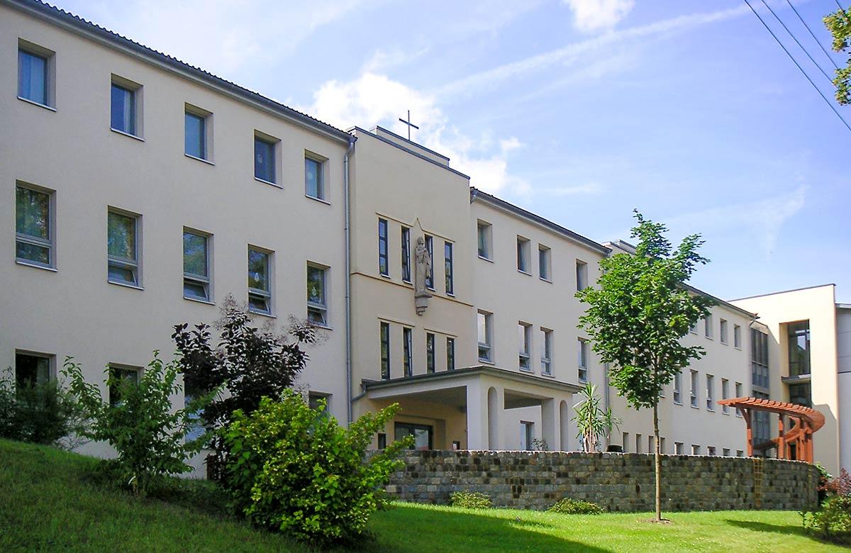 """Ansicht des Altenpflegezentrum """"St. Vinzenz"""" in Küllstedt"""