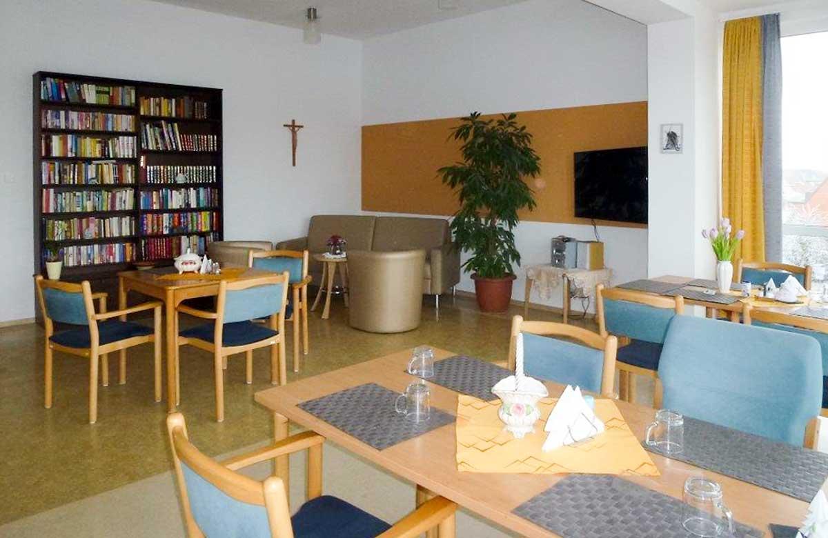 """Aufenthaltsraum im Altenpflegezentrum """"St. Vinzenz"""" in Küllstedt"""