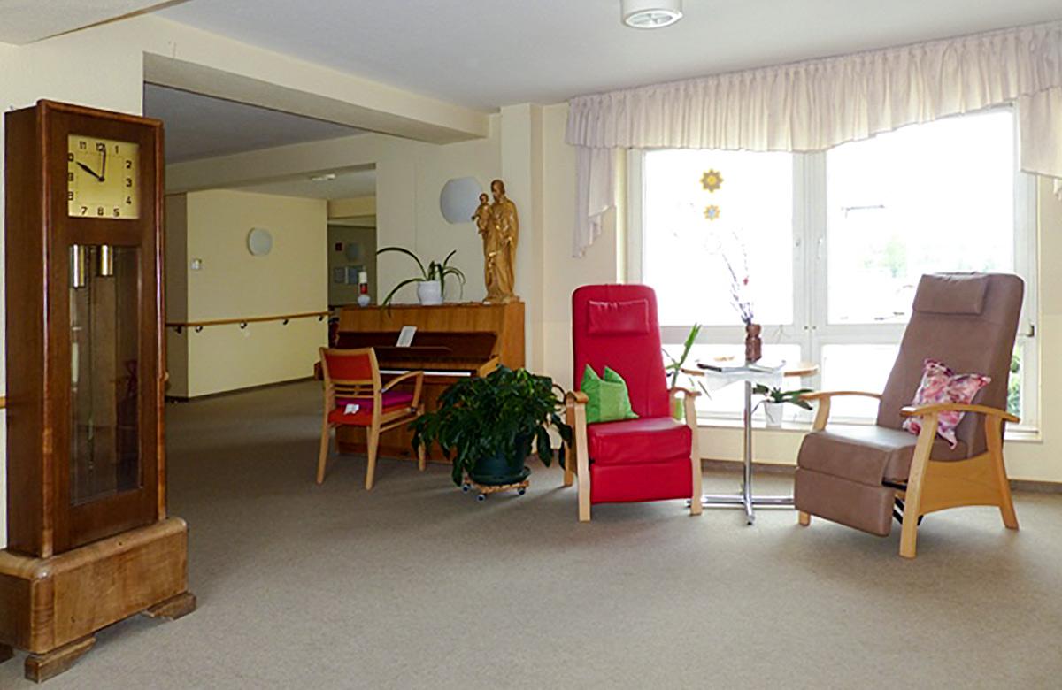 """Sitzecke im Altenpflegezentrum """"St. Josefshaus"""" in Niederorschel"""